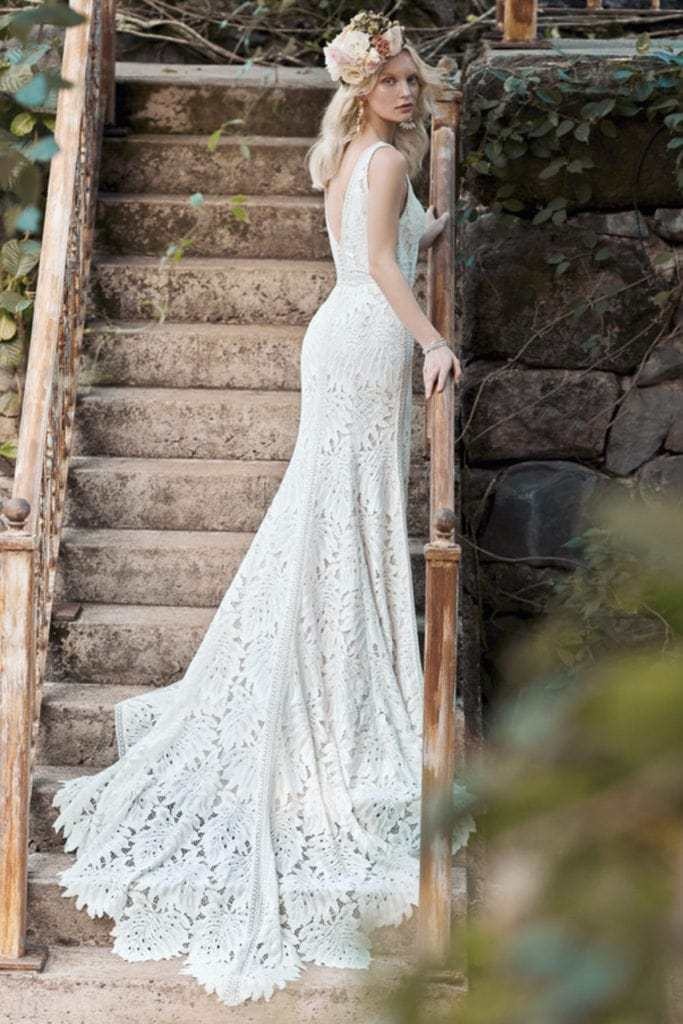 Elopement dress with oversized floral boho lace.