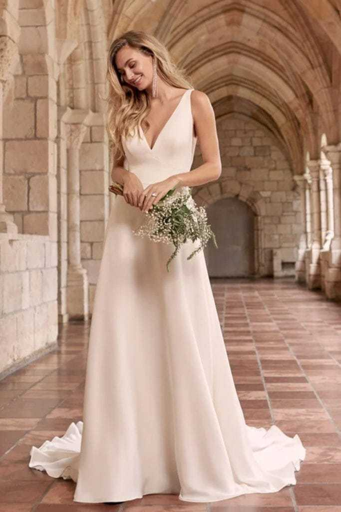 Simple and beautiful elopement dress with button back